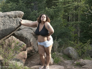 Curvy Baby Girl - On The Rocks Picture Gallery