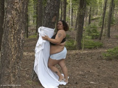 CurvyBabyGirl - Out In The Woods 3 Photo Album