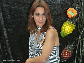 Jolanda - Lime Light Picture Gallery