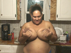 CurvyBabyGirl - Kitchen Photo Album