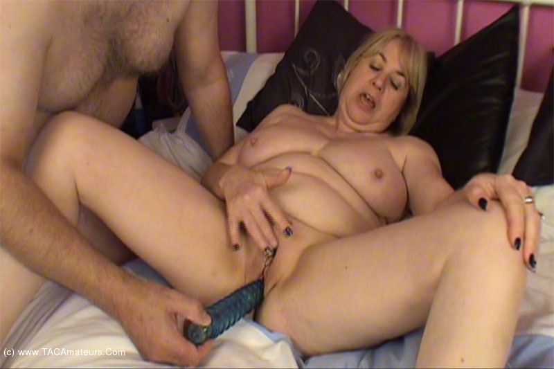 SpeedyBee - Hot Vibro Action scene 1