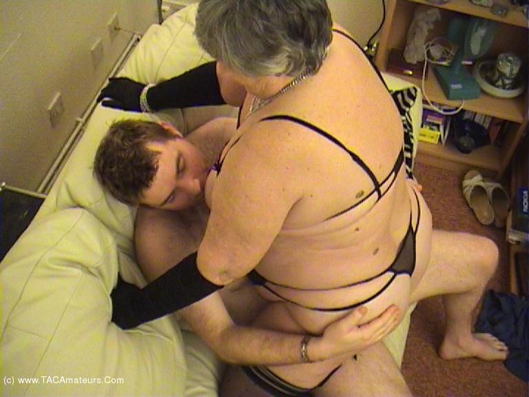 GrandmaLibby - Sucking Fucking Foot Wank Pt3 scene 2