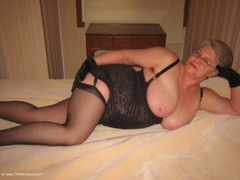 GirdleGoddess - Smoking Stepmum Pt3 Video