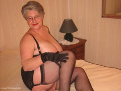 GirdleGoddess - Smoking Stepmum Pt4 Video