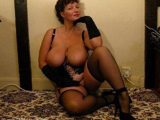 Kims Amateurs - Mistress Kim Picture Gallery