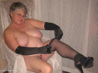 Girdle Goddess - Satin Gloves Picture Gallery