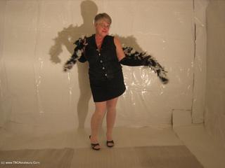 Girdle Goddess - Black  White Boa Picture Gallery