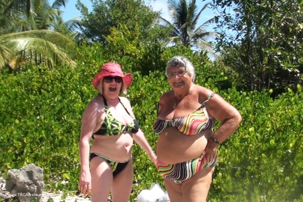 SpeedyBee - Speedy Bee & Libby Stripping On The Beach scene 1