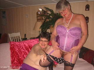 Girdle Goddess - Corset Fun With Mistress Sue Picture Gallery