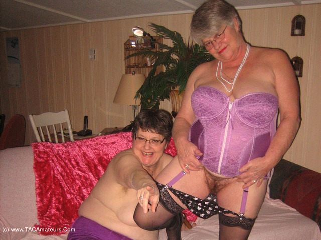 GirdleGoddess - Corset Fun With Mistress Sue