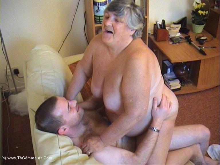 GrandmaLibby - Grandma's Young Fuck Buddy Pt3 scene 2