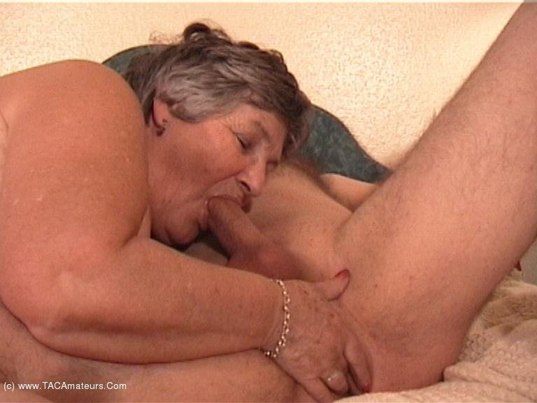 GrandmaLibby - Grandma Meets & Fucks Rob Pt8 scene 2