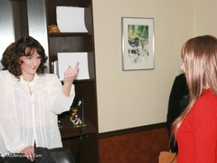 Reba - Wicked Wendy Salon Hair Cut Photo Album