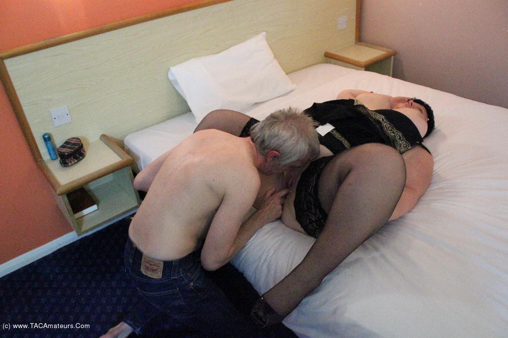 DoubleDee - Sleazy Hotel Fuck Pt2 scene 2