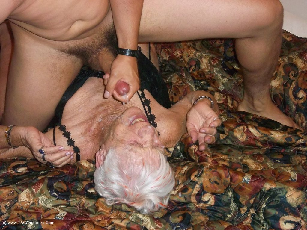 92 years old granny doing deepthroat - 5 8