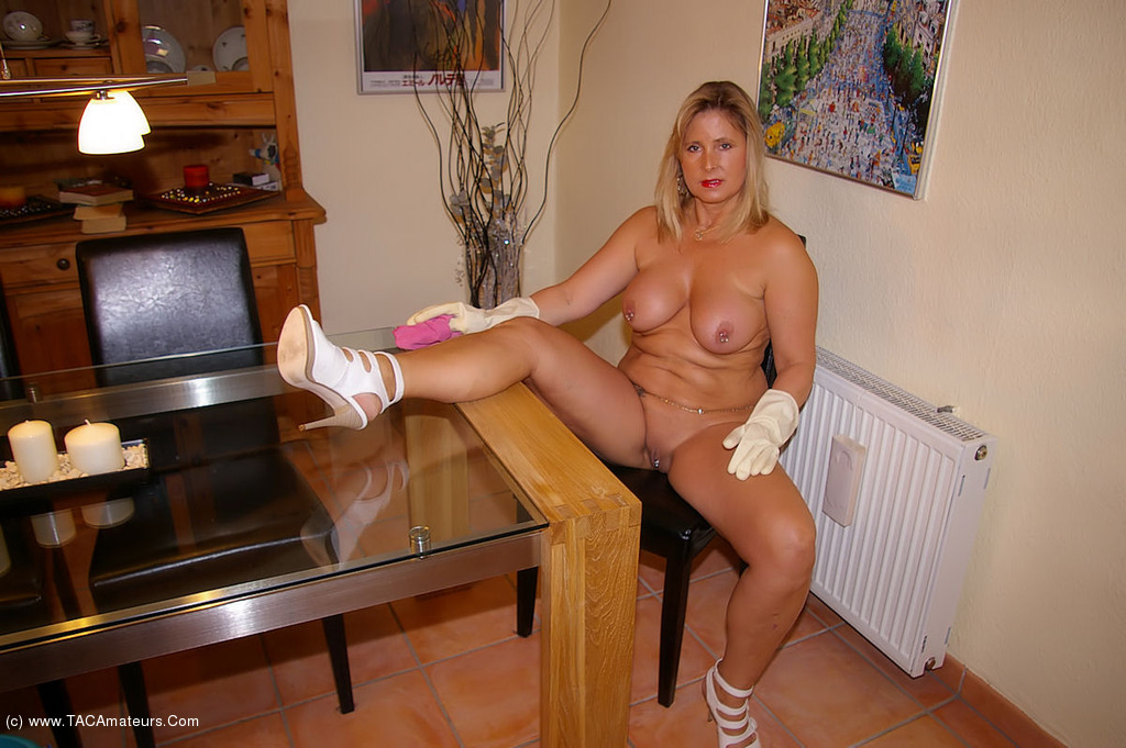 Doing nude girls housework