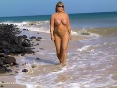 NudeChrissy - Nude On The Beach HD Video