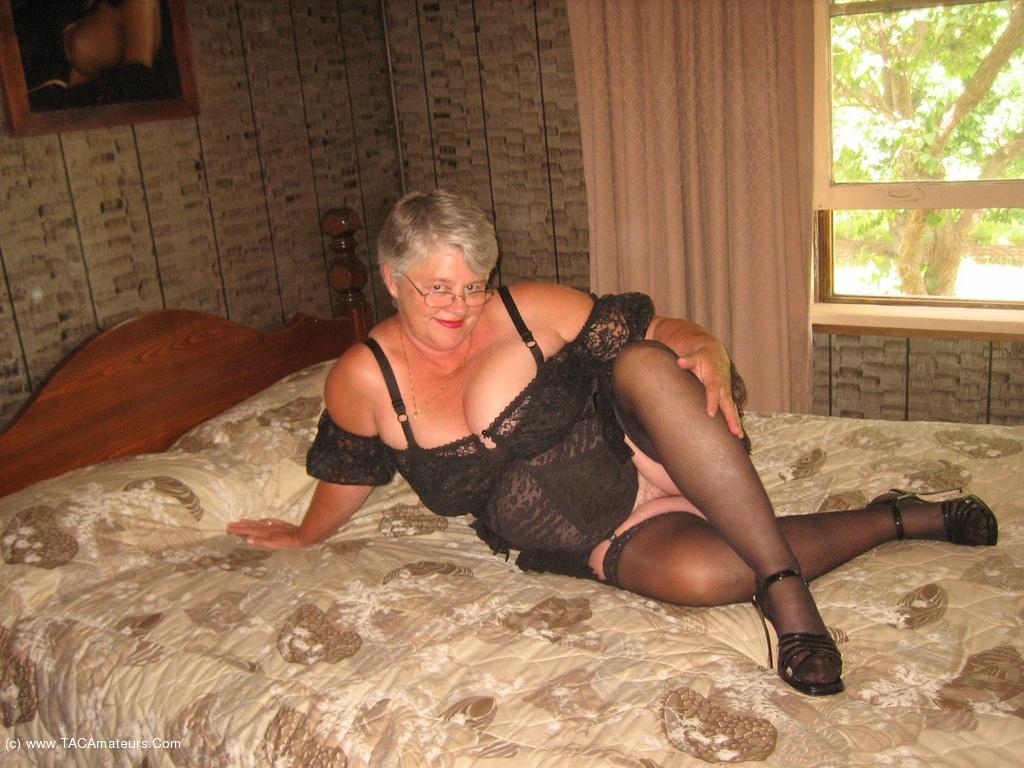 Girdle Goddess - Sexy Mature Cougar Gallery-8091