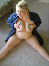 Hubby s shirt It was early Sunday morning, and when I woke up hubby was not there. I threw on his shirt from the evening before, a sex. Cougar, milf, bbw/curvy, big tits, united states