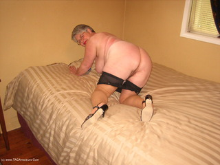 Girdle Goddess - One Good Man Pt2 Video