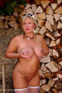 nudechrissy - The Octoberfest Free Pic 2