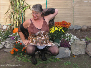 Girdle Goddess - Girdle Garden Playtime Picture Gallery