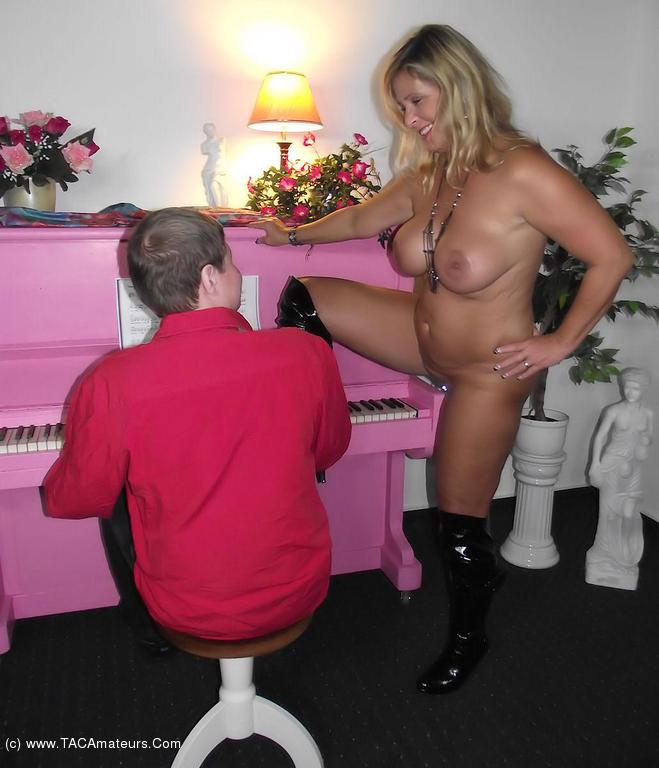 NudeChrissy - The Piano Man scene 3