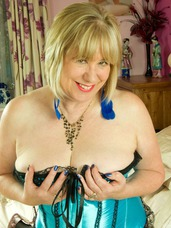 Blue basque pt2 Hi Guys, How did you like my Blue Basque in