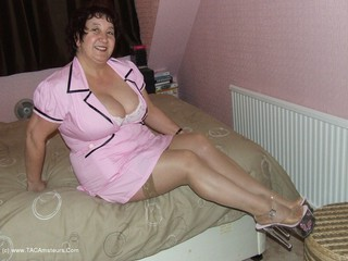 Kinky Carol - The Masseuse Picture Gallery