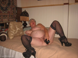 Girdle Goddess - Smoking Hot Picture Gallery