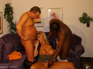 Nude Chrissy - Showing His Wife HD Video