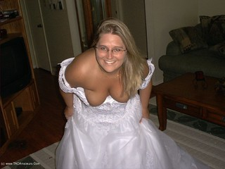Gangbang Momma - Bride In White Showing Pink Picture Gallery