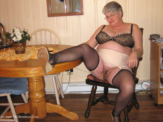 Girdle Goddess - Easy Access Picture Gallery