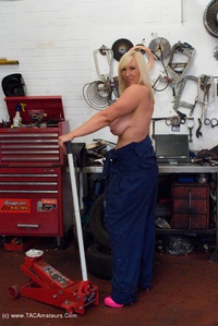 melody - Garage Work Free Pic 2