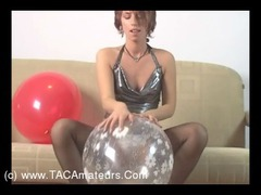 KellyBald - Balloon Popping HD Video