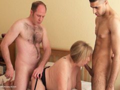 SpeedyBee - When The Boys Get Home Video