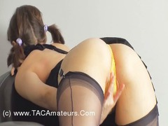 KellyBald - Yellow Pantie Rubbing Video