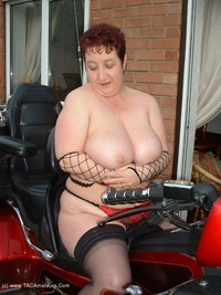 kinkycarol - The Big Vibraty Thing Free Pic 3
