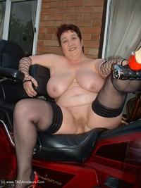 kinkycarol - The Big Vibraty Thing Free Pic 4