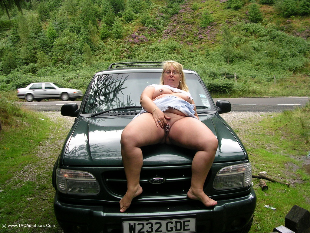 Love her bbw car porn