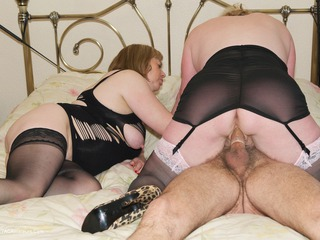Claire Knight - Hot 3 Some Pt2 Picture Gallery