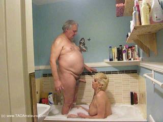 Dimonty - Fucking In The Bath HD Video