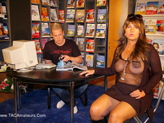 NudeChrissy - Fucking In The Travel Agency Video
