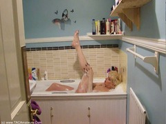 Dimonty - Voyeur's Delight -  In The Bath HD Video