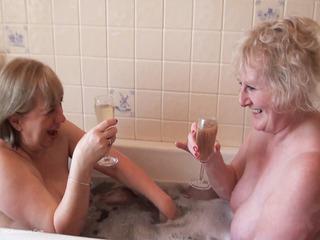 Claire Knight - Bath Time Fun Pt1 HD Video