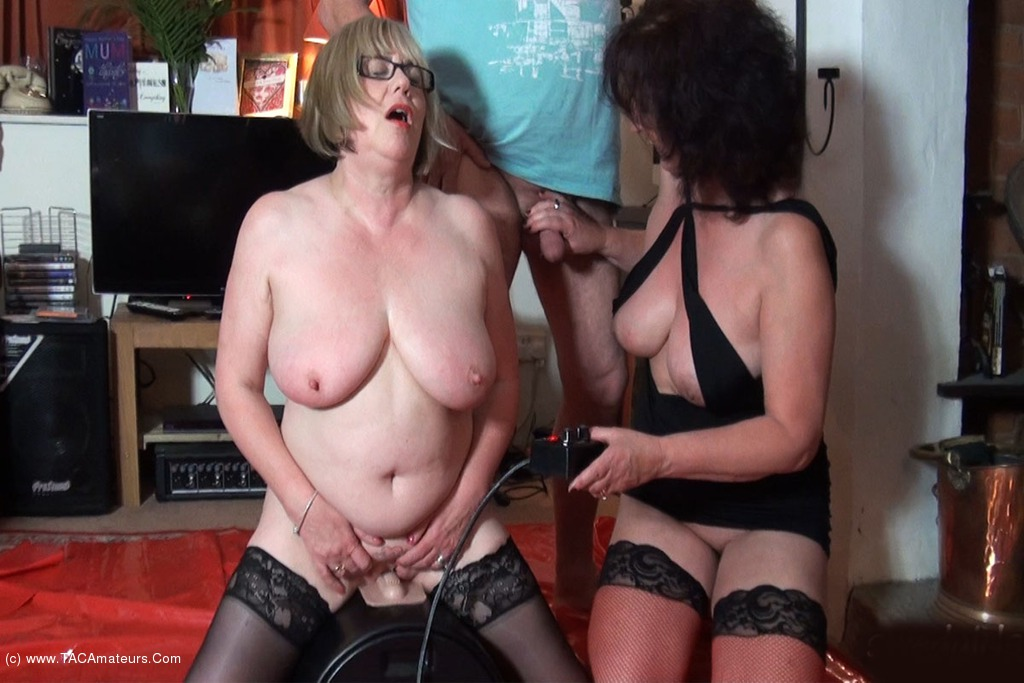 SpeedyBee - Riding The Sybian Pt2 scene 0