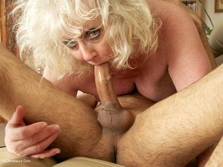 Claire Knight - Asian Adventure Pt2 Picture Gallery