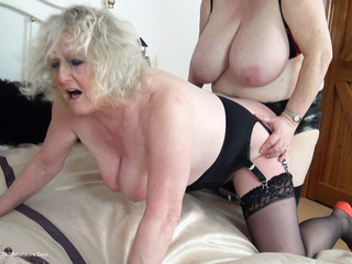 Claire Knight - Back From The Pub Pt4 HD Video