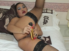 AmykaLee - Playing On The Bed With My Toys Photo Album