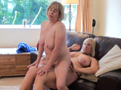 SpeedyBee - Fuck Me With Your Strap On HD Video